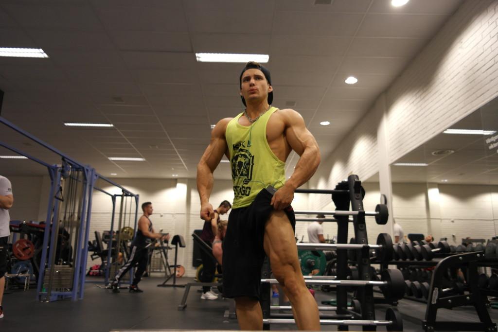 legs men's physique